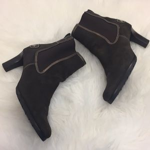 COLE HAAN BROWN SUEDE LEATHER  BOOTS HEELS👠